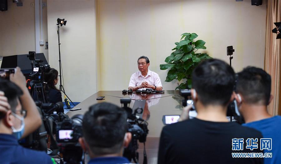 (图文互动)(1)严格防控是关键――钟南山谈香港疫情防控形势