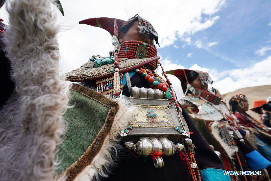 Exquisite Pulan folk costume in Tibet is 1,000-year tradition