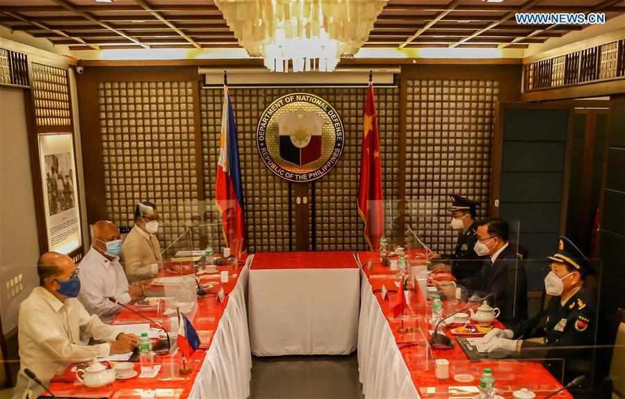 PHILIPPINES-MANILA-CHINA-WEI FENGHE-DEFENSE SECRETARY-TALKS