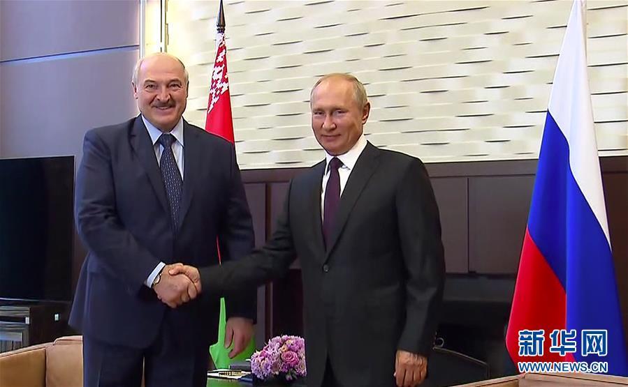 (国际)(1)普京与卢卡申科举行会晤