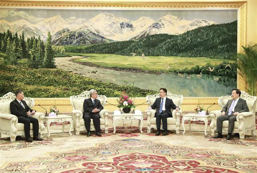 Vice premier meets high-level delegation of Macao SAR disciplined forces