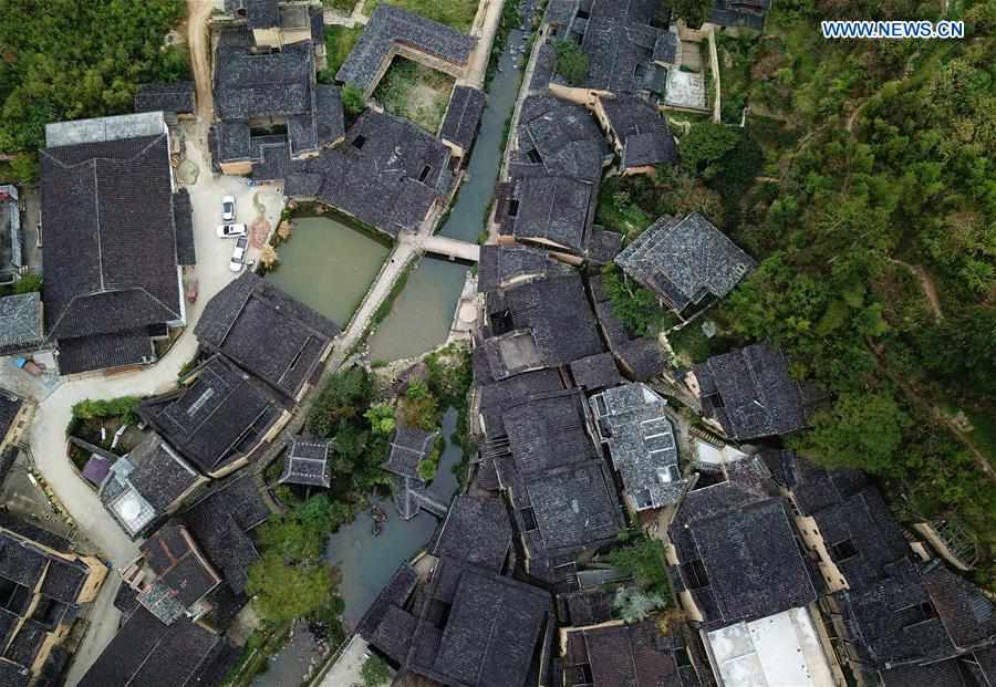 Village in Fujian shakes off poverty through cultural and creative industries