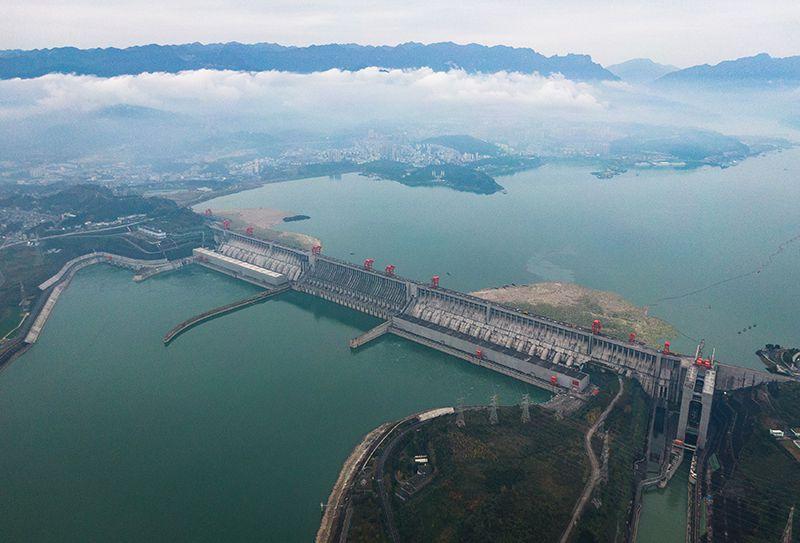 11月1日拍摄的三峡大坝(无人机照片)。