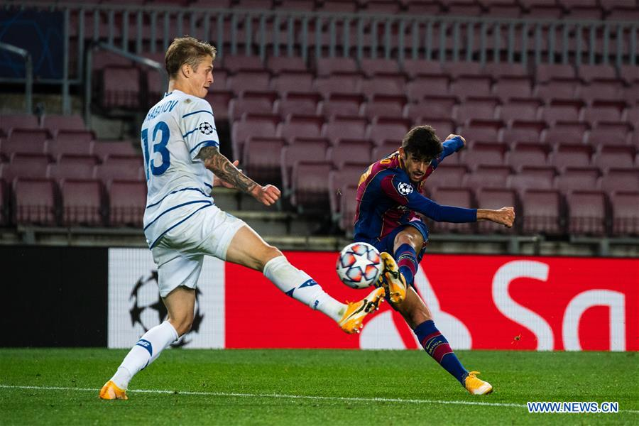 (SP)SPAIN-BARCELONA-FOOTBALL-UEFA CHAMPIONS LEAGUE-FC BARCELONA VS DYNAMO KYIV
