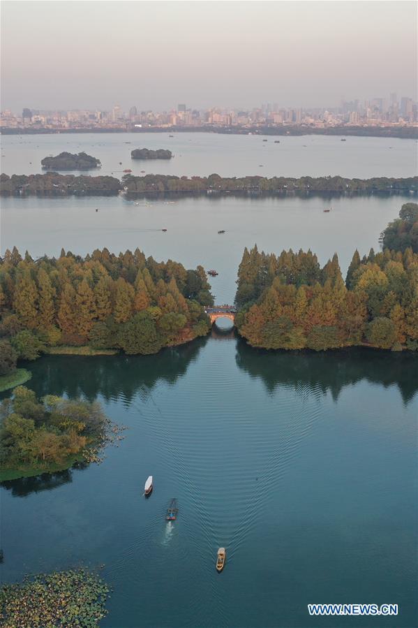 CHINA-HANGZHOU-WEST LAKE-AUTUMN SCENERY (CN)
