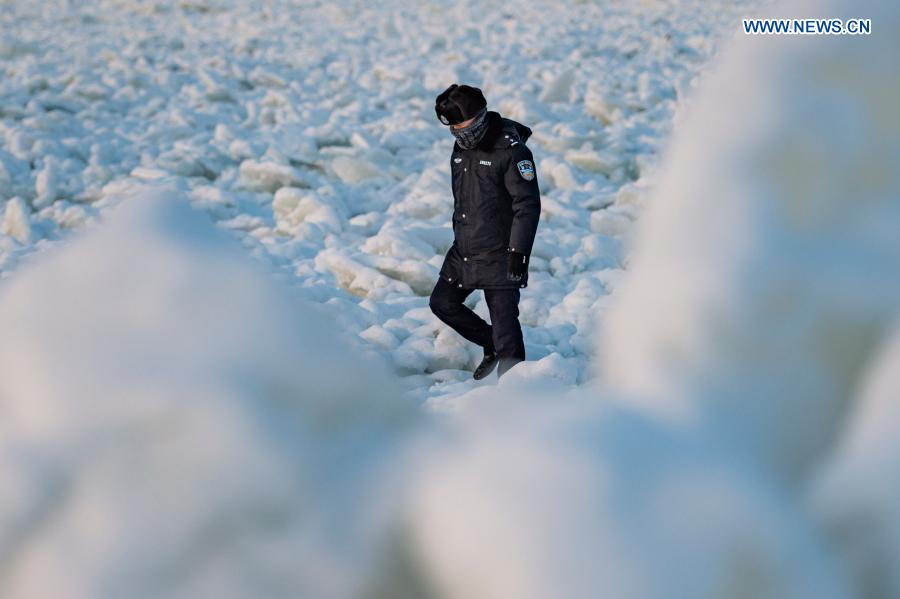 Pic story of police officers responsible for patrolling border between China and Russia