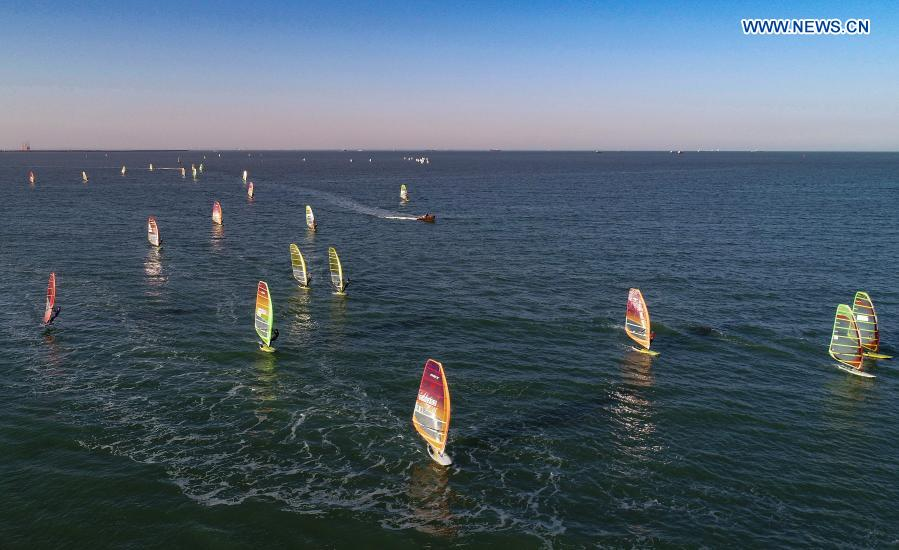 Sailing athletes attend winter training in Haikou