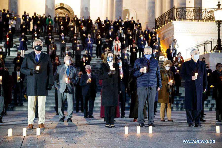 Members of U.S. Congress mourn 500,000 COVID-19 deaths in Washington D.C.