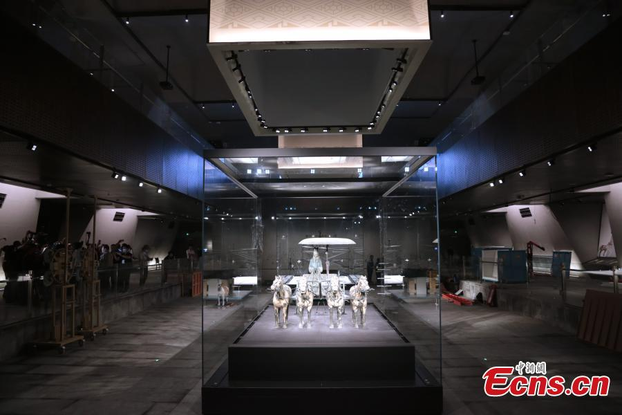 Emperor Qinshihuang's chariots and horses moved to new home