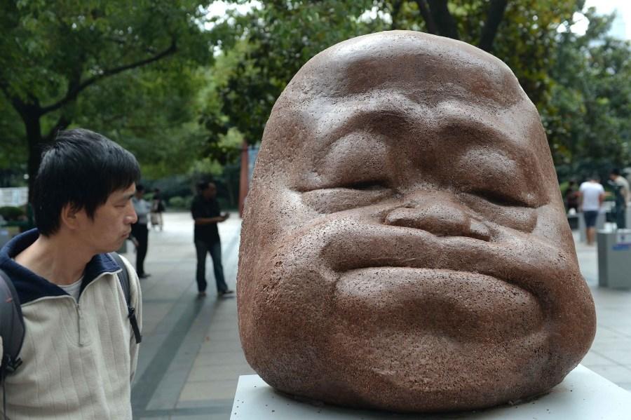"""莫言雕塑亮相上海雕塑展 被赞""""萌萌哒"""""""