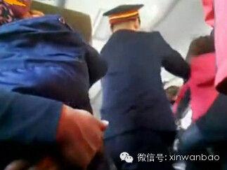 两名5旬大妈火车上抢座 其中一人被打断4根肋骨