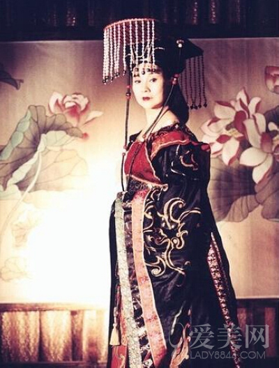 """各版""""武则天""""惊艳对比 范冰冰妖媚李湘最富态"""