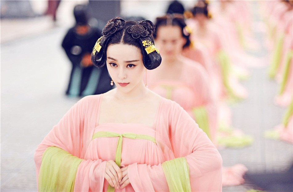 New photos of Fan Bingbing as 'Empress of China' released