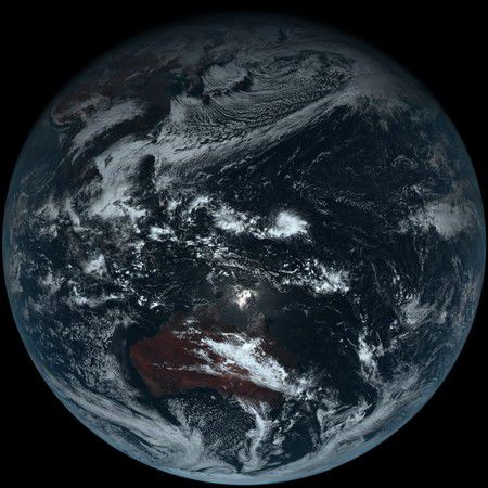 日本卫星拍下地球真正的样貌。(图/翻摄自日本气象厅)