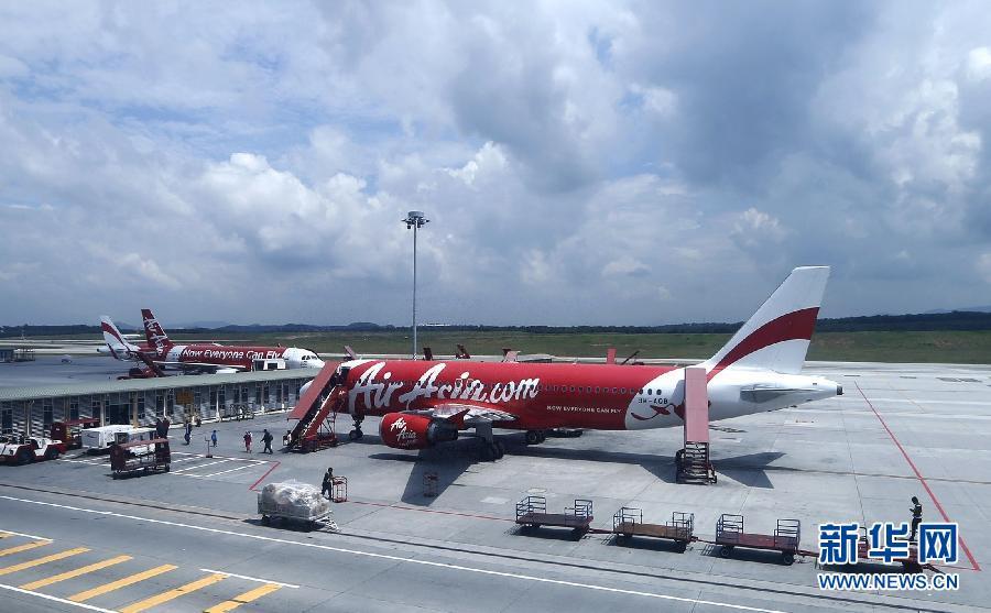 (国际・快讯)亚洲航空一架从印尼飞往新加坡的客机失联