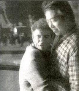 陈凯歌与男模贴身合影
