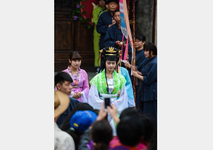 Ancient 'Xiangshi' kicks off in Wuzhen