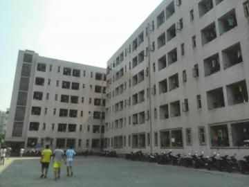 窦平生前住的男生宿舍2号楼。
