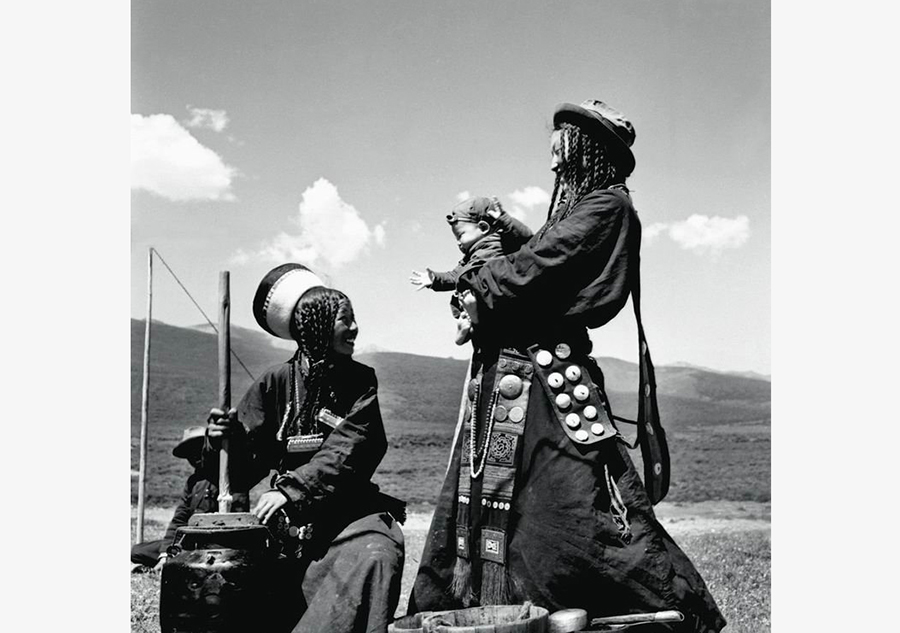 Historical photos of 56 nations in China (Part I)