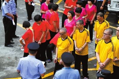 东莞酒店卖淫案开审 47人中43人当庭认罪