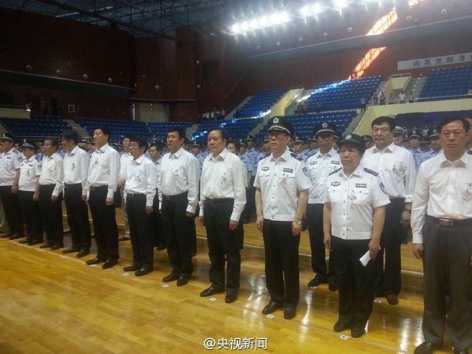 河北肃宁为枪案牺牲民警举行追悼会【6】