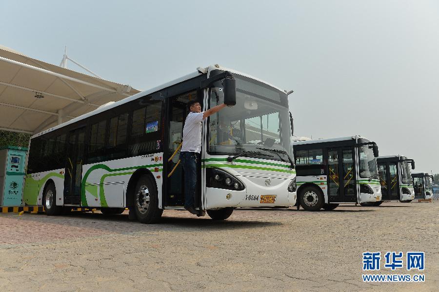 #(经济)(1)河北唐山公交新添一批新型纯电动公交车