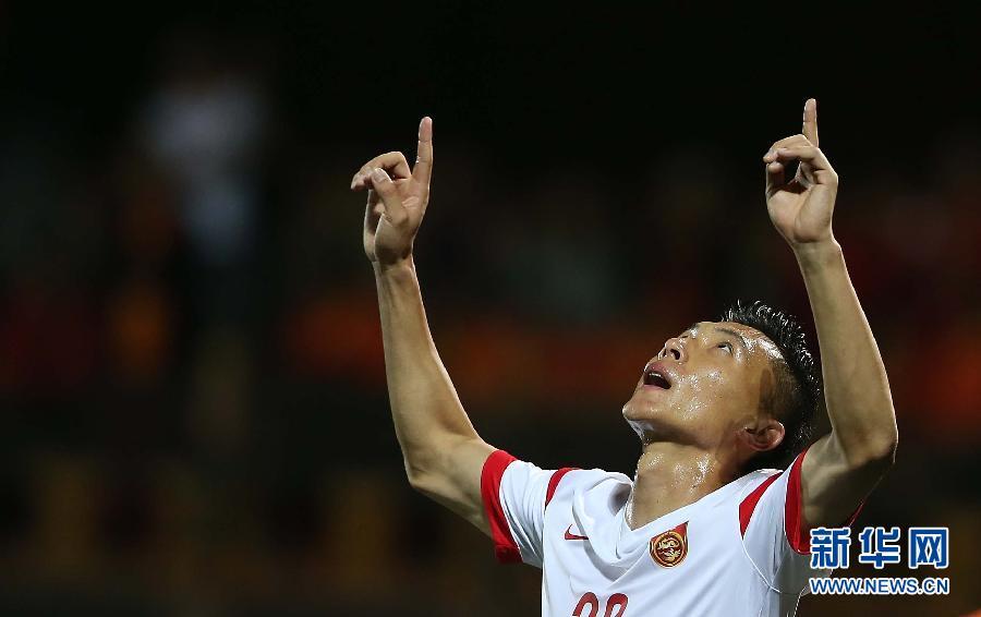 (体育)(4)足球――世预赛:中国胜不丹