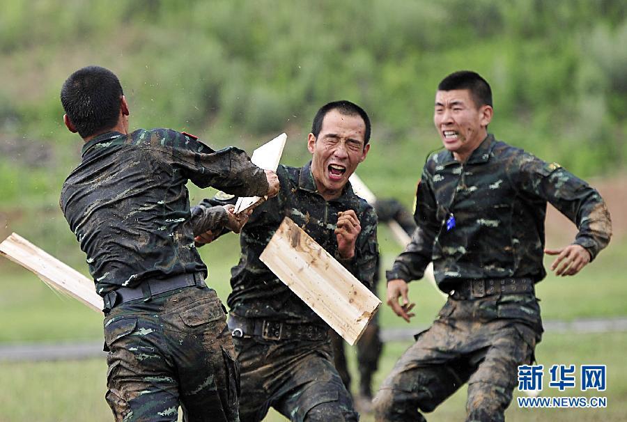 #(社会)(1)江苏边防举行新建突击队训练成果汇报演练