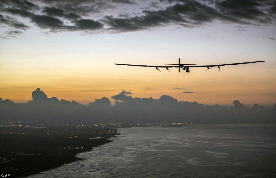 太阳能飞机连飞5天抵达夏威夷