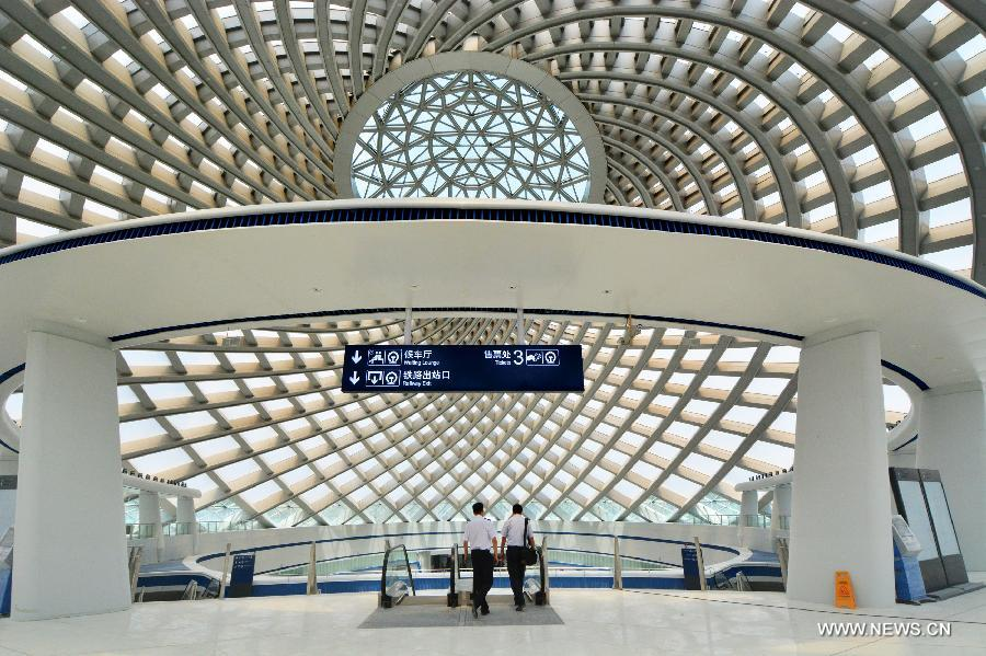 Photo taken on July 4, 2015 shows the interior scene of Yujiapu Station on the extending line of the Beijing-Tianjin high-speed intercity railway in north China's Tianjin Municipality.