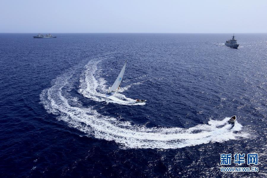 (国际)(1)中国海军护航编队在护航过程中举行反海盗演练