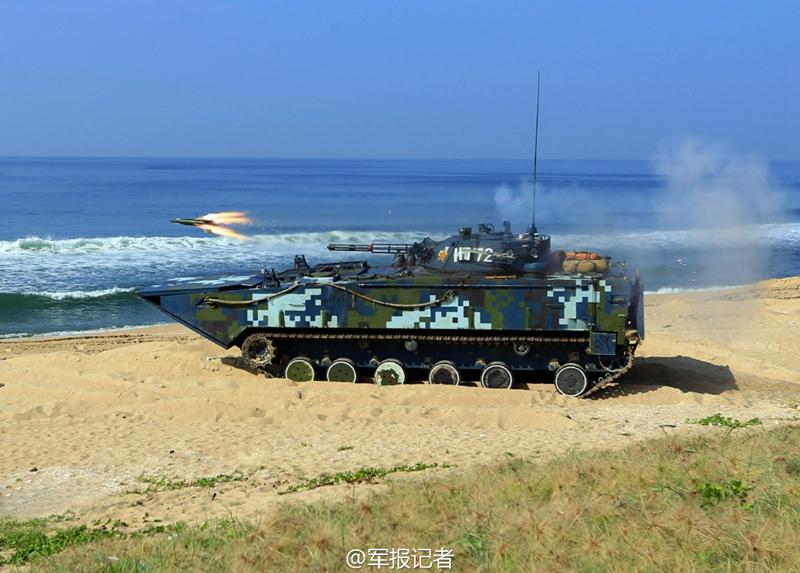 高清:实拍海军陆战队两栖突击车精确射击 炮弹裂空【4】