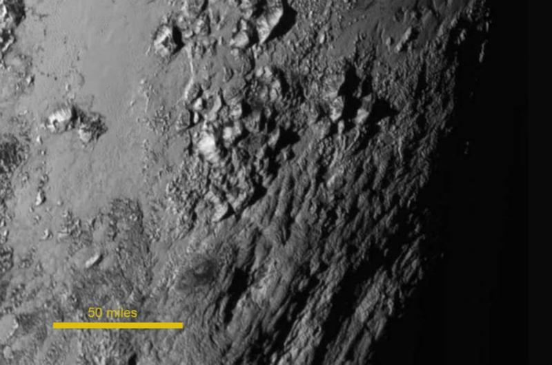 """NASA公布冥王星局部特写 """"冥王心""""命名为汤博【2】"""