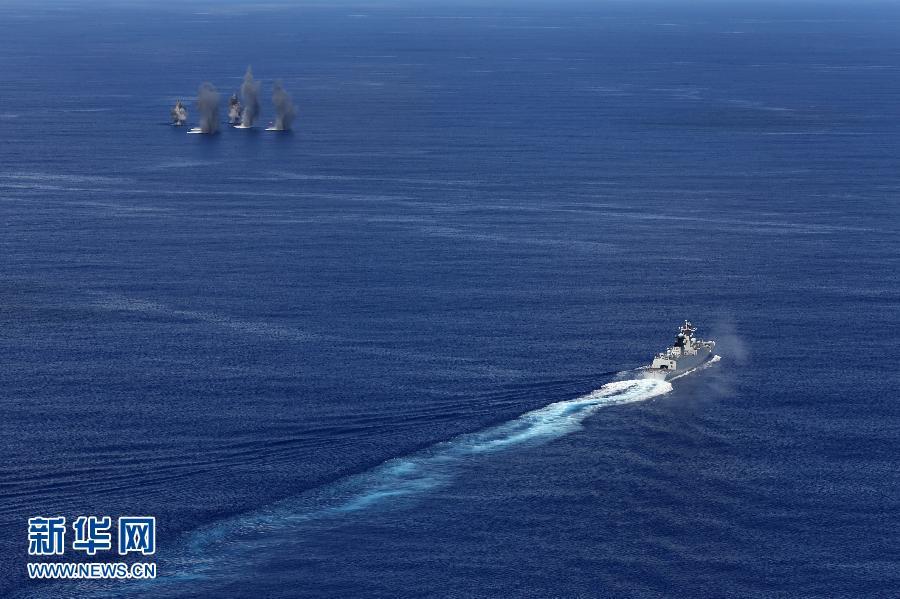 (国际)(1)中国海军远海训练编队在西太平洋海域组织实际使用武器训练