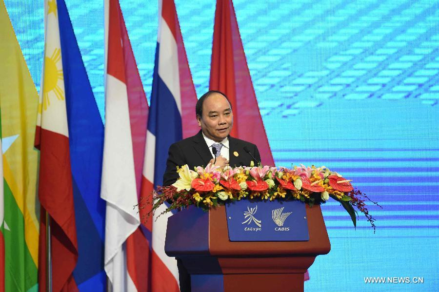 Vietnamese Deputy Prime Minister Nguyen Xuan Phuc addresses the opening ceremony of the 12th China-ASEAN Expo and the China-ASEAN Business and Investment Summit in Nanning, capital of southwest China's Guangxi Zhuang Autonomous Region, Sept. 18, 2015.