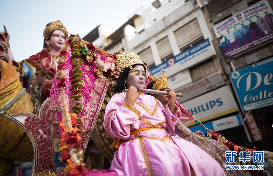(国际)(1)印度庆祝十胜节