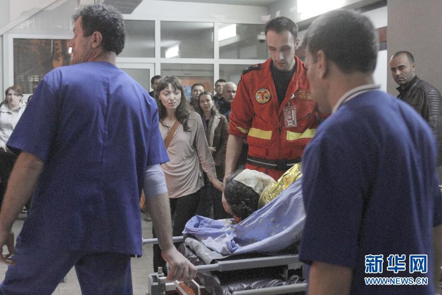 (国际)(2)罗马尼亚一夜总会火灾致27人死亡