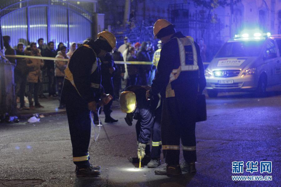 (国际)(4)罗马尼亚一夜总会火灾致27人死亡