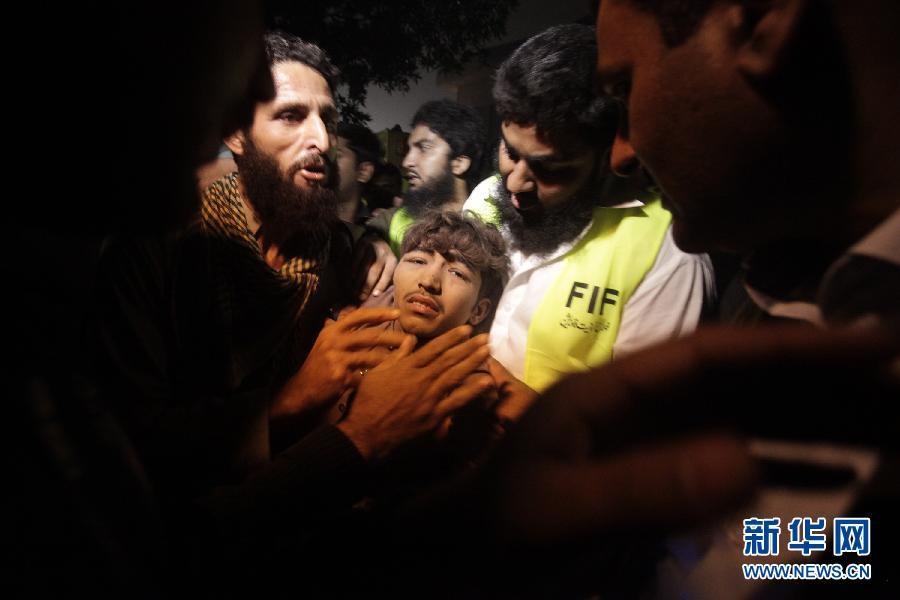(国际)(4)巴基斯坦一工厂大楼倒塌至少16人死亡