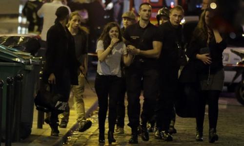 法媒:法国枪击爆破事件形成60人死上百人被挟制