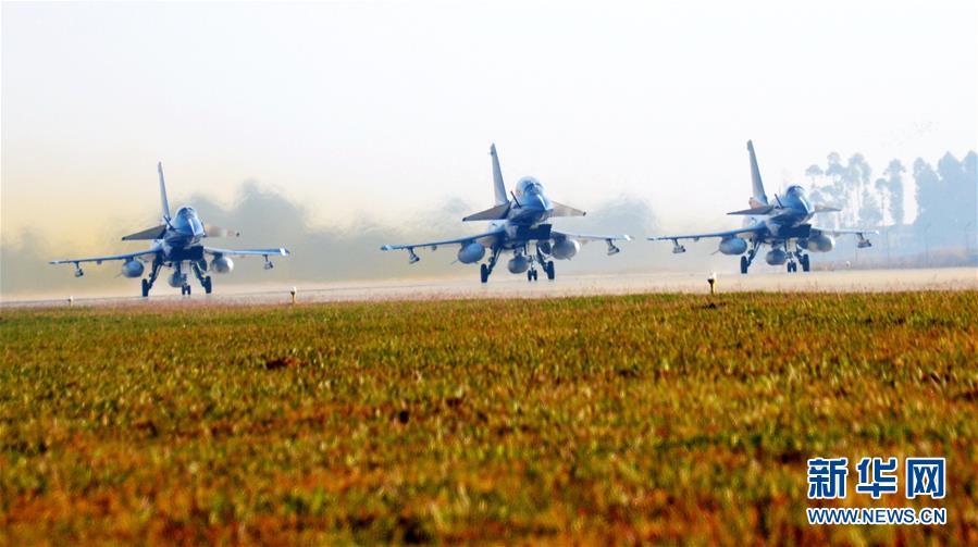 (图文互动)(1)中国空军赴泰国飞行表演增进互信和友谊