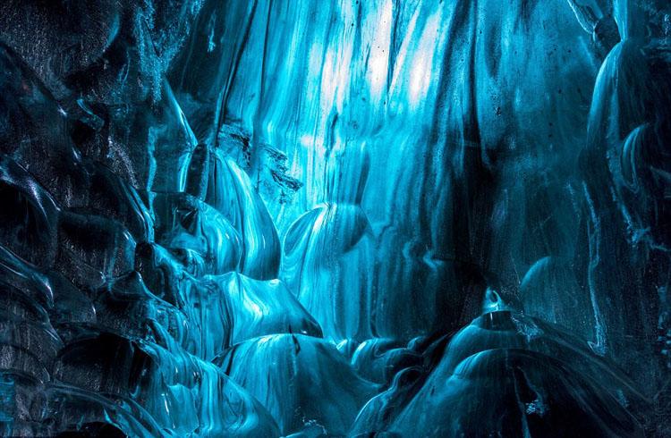 """摄影师冰岛冰川内拍""""冰与火之歌"""""""