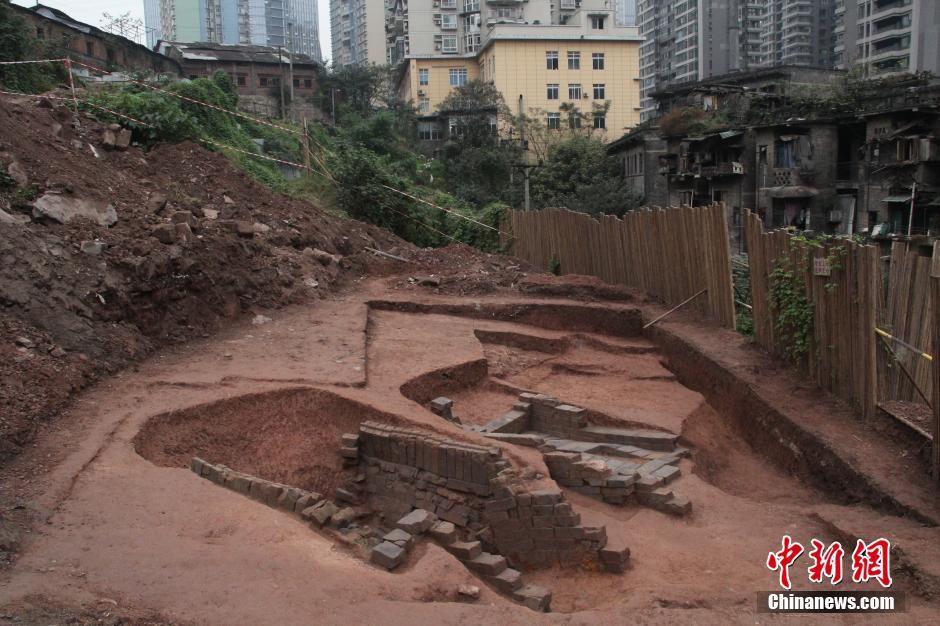 重庆城区发现东汉墓 两层墓室相隔一米跨越百年