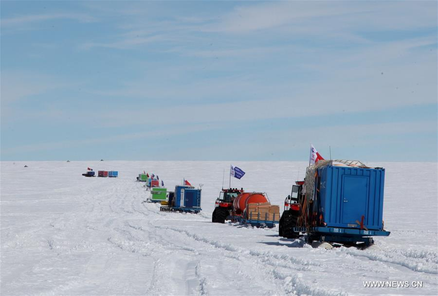 Two Chinese Antarctic expedition inland teams, including a total of 38 researchers, set off for Antarctic inland on Tuesday