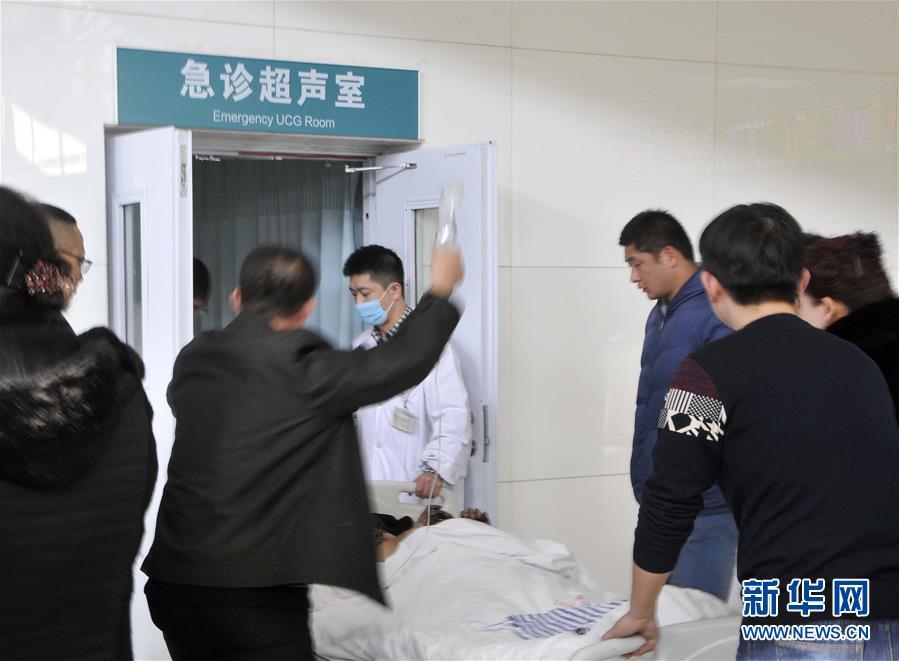 (突发事件)(1)宁夏贺兰县一公交车着火造成14死32伤