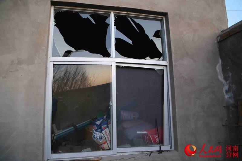 记者探访通许县爆炸事故村庄:村民正陆续清扫残留【2】