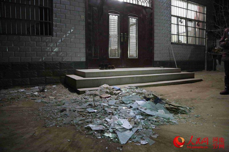 记者探访通许县爆炸事故村庄:村民正陆续清扫残留