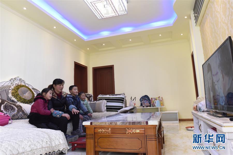 (社会)(5)芦山地震灾区:重建项目完工逾九成