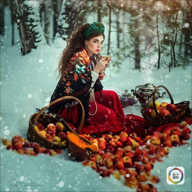 俄摄影师用照片还原童话世界 模特千里挑一