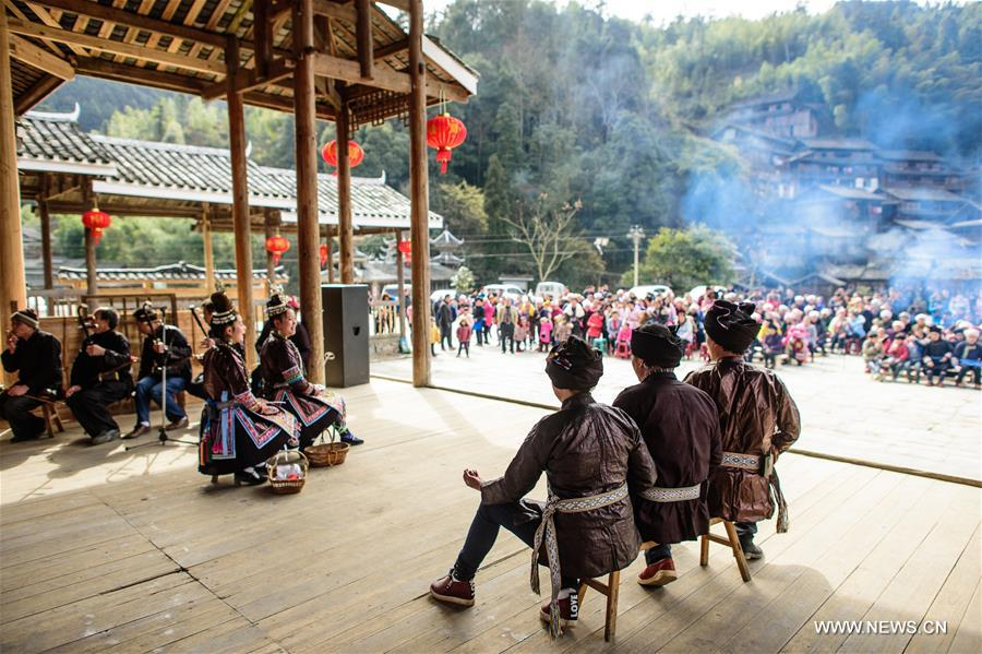 Dong drama, traditional art form of Dong ethnic group, is popular in Dong habitats in Guizhou, Hunan and Guangxi of China